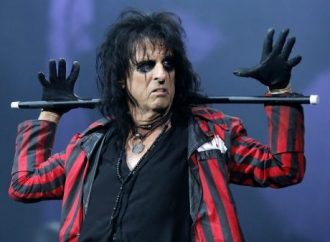 """Alice Cooper: """"I Like Paul Stanley. Which Number Face Is He On Now?"""""""