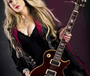 Janet Gardner: On the Edge of a Solo Career…