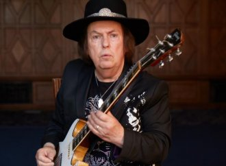 """Slade's Dave Hill: """"What we wrote about is still valid today""""…"""